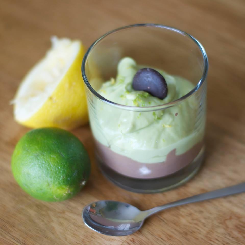 Duo de mousses (choco-tofu et lime-citron-avocat-banane-sirop d'érable)